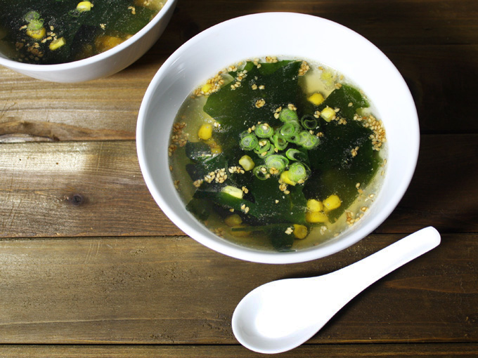 raw vegan Asian seaweed and corn soup