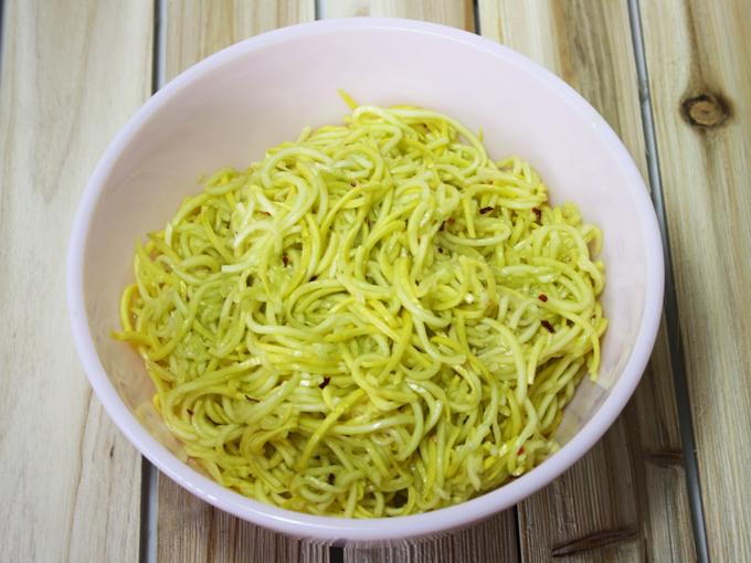 raw vegan spaghetti aglio e olio