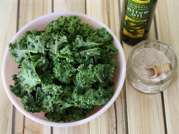 raw vegan crispy kale chips