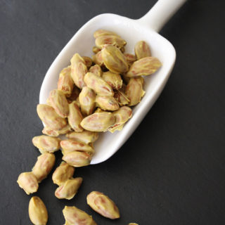 Raw Vegan Cheesy Almonds