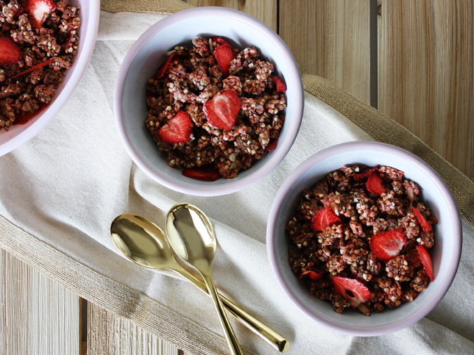 raw vegan strawberry granola clusters