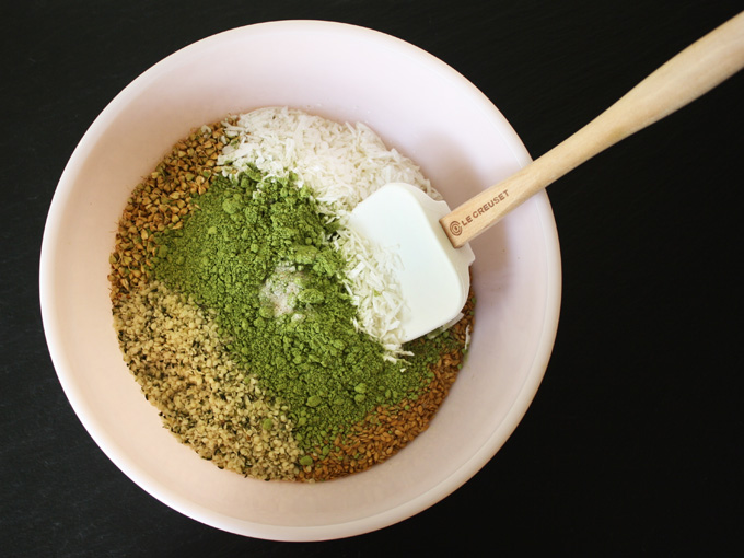 raw vegan matcha green tea granola