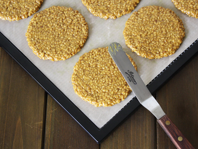 raw vegan curry flax crackers
