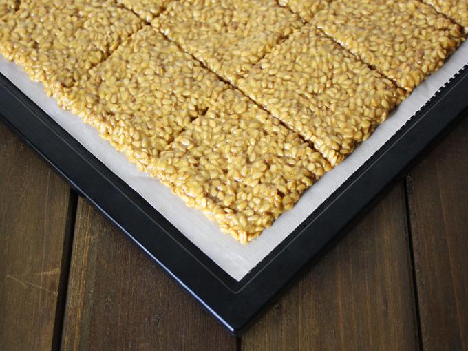 raw vegan curry flax crackers